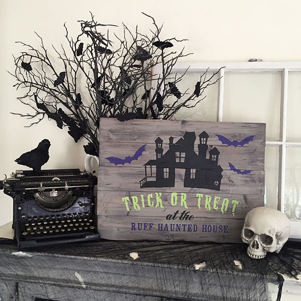 trick of treat haunted house wood sign decor