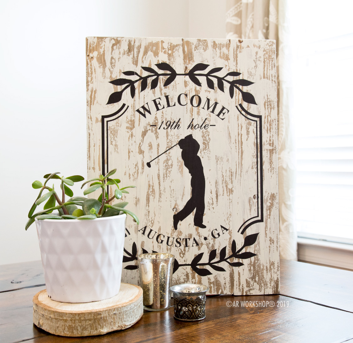 Golfer Silhouette Laurel Branch Plank Sign 14x19