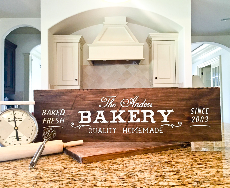 Family Bakery - 32x10.5
