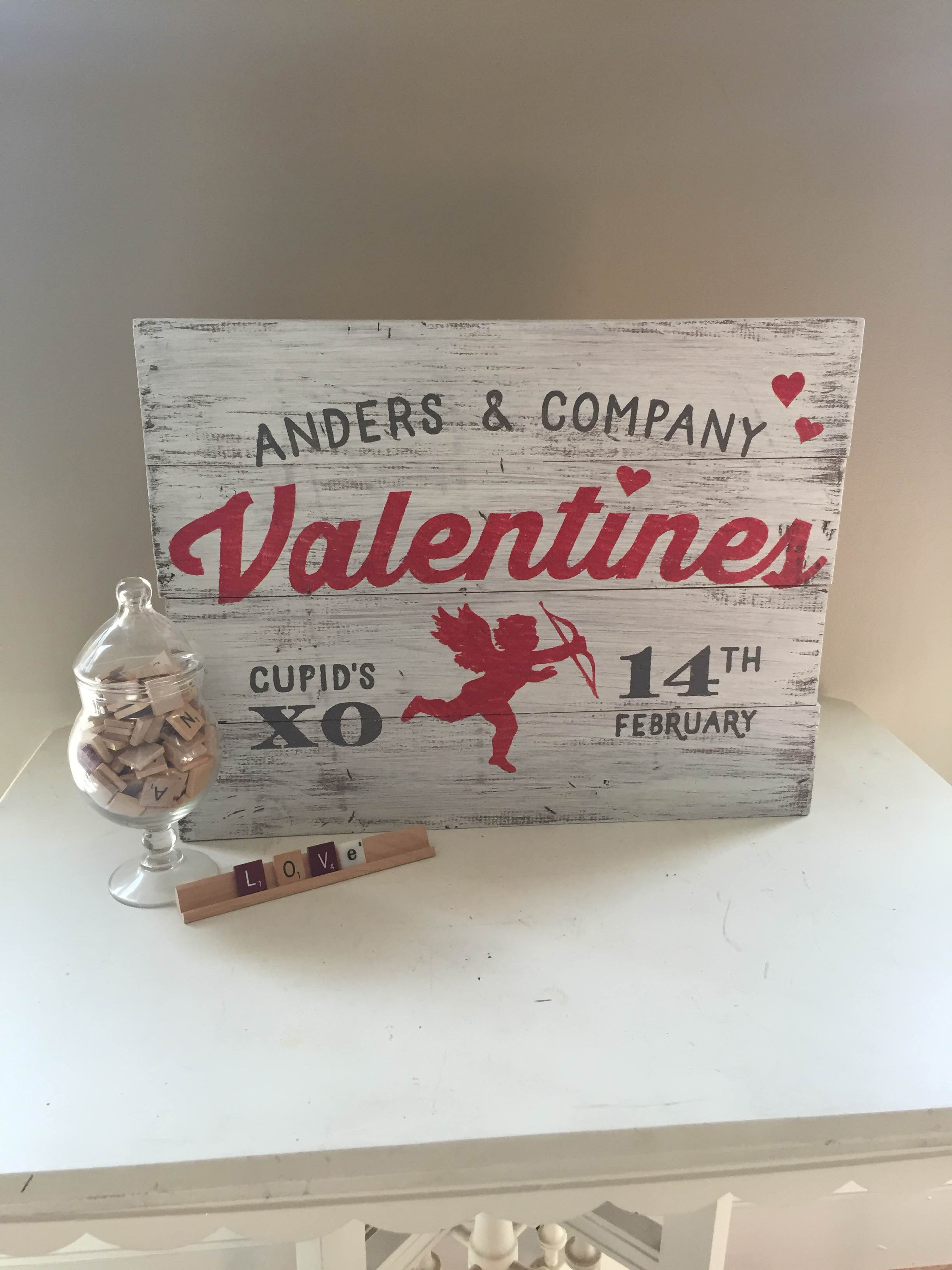valentines day sign plank