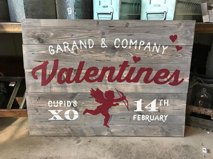 AR Workshop Valentines Day Plank Sign Cupid