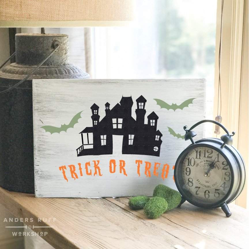 trick or treat halloween plank sign