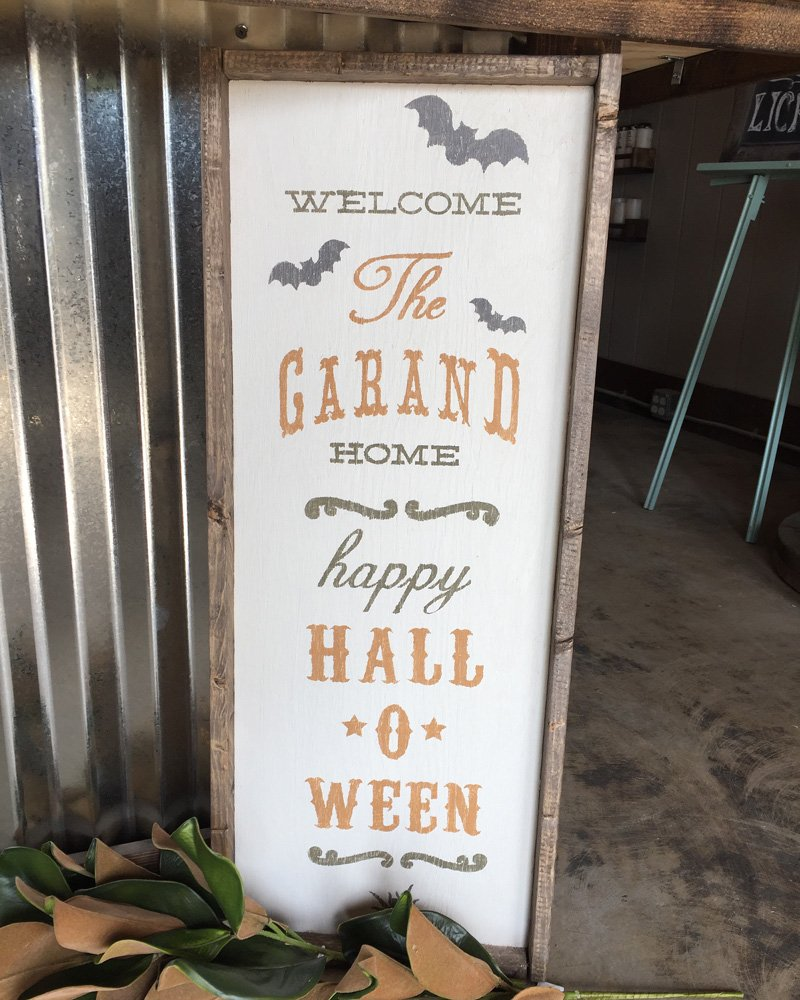 Halloween Welcome Wood Sign