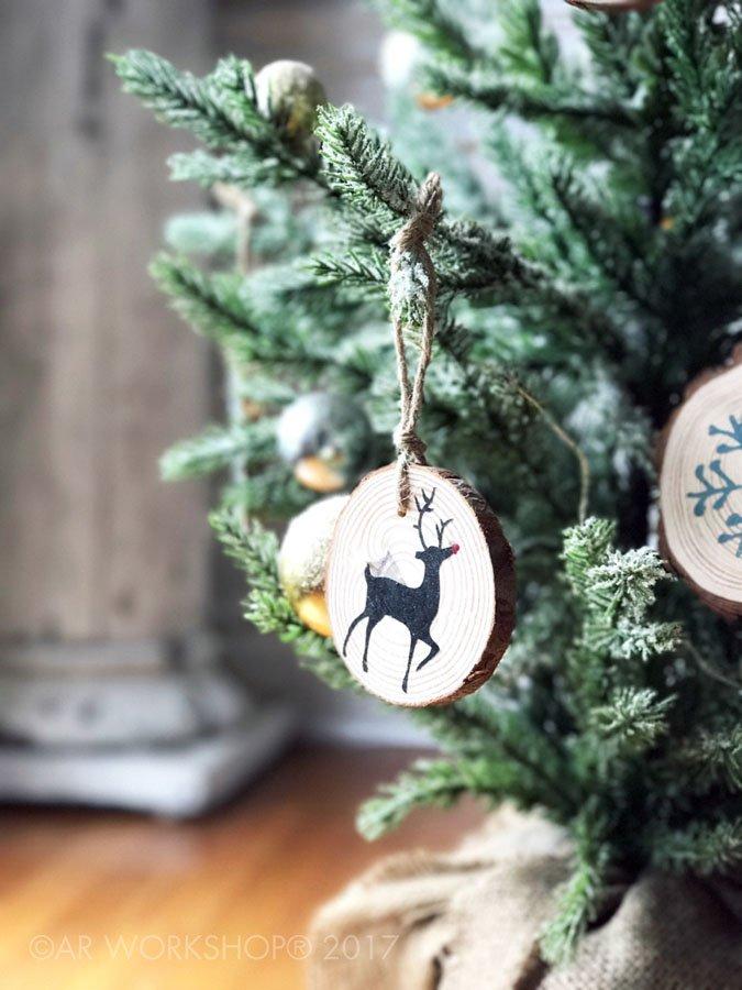 wood slice ornaments reindeer