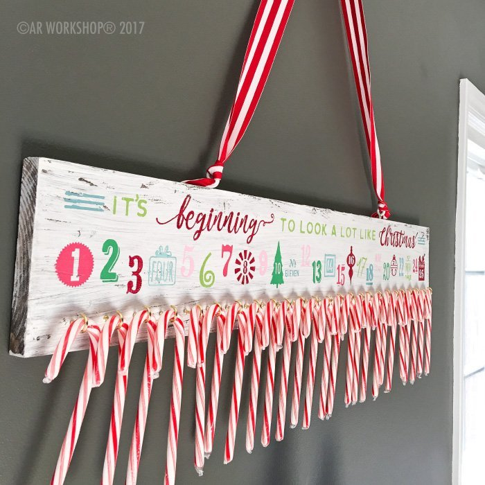 Advent Calendar It's Beginning to look a lot like Christmas Plank Sign