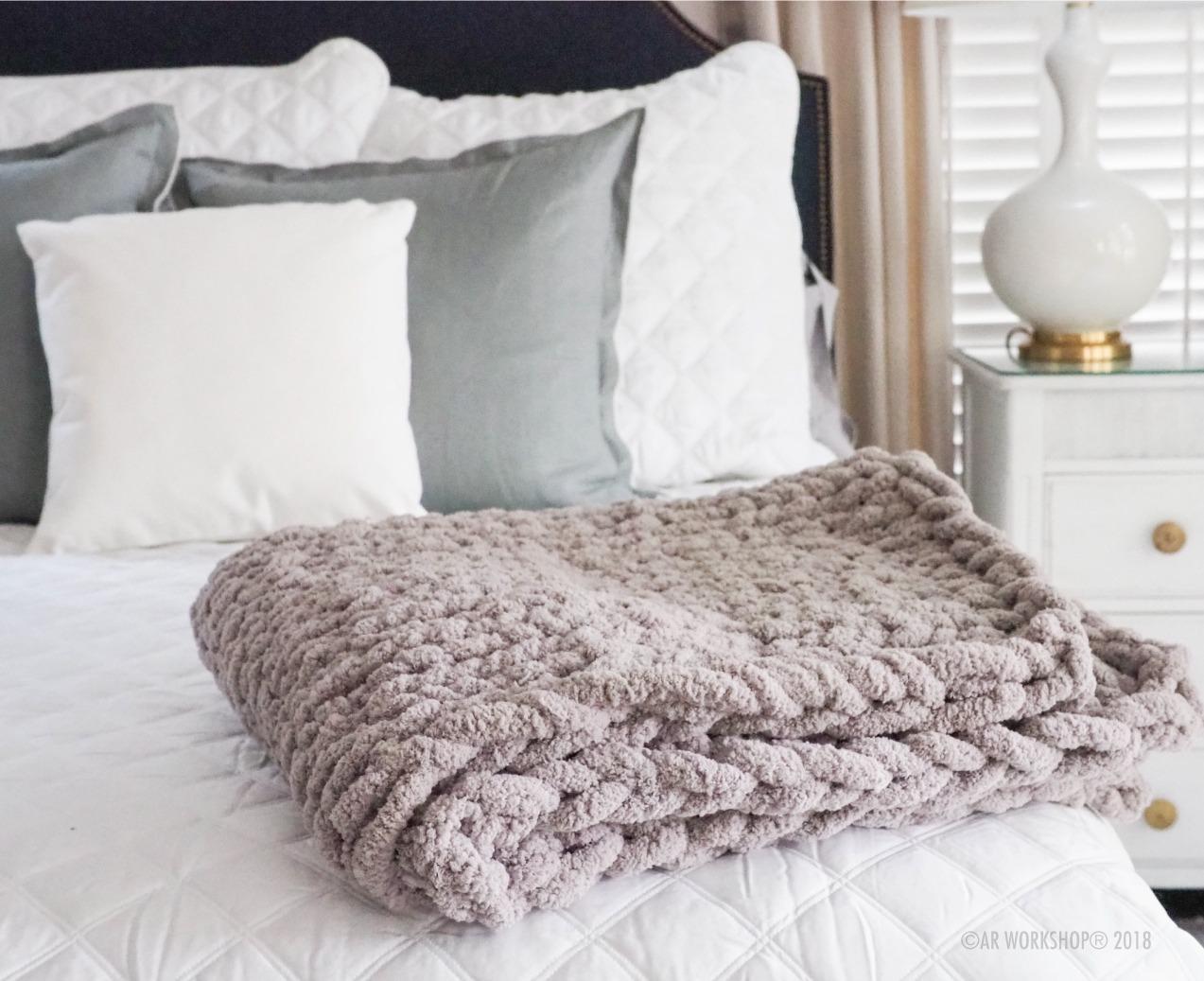 knit blanket bed