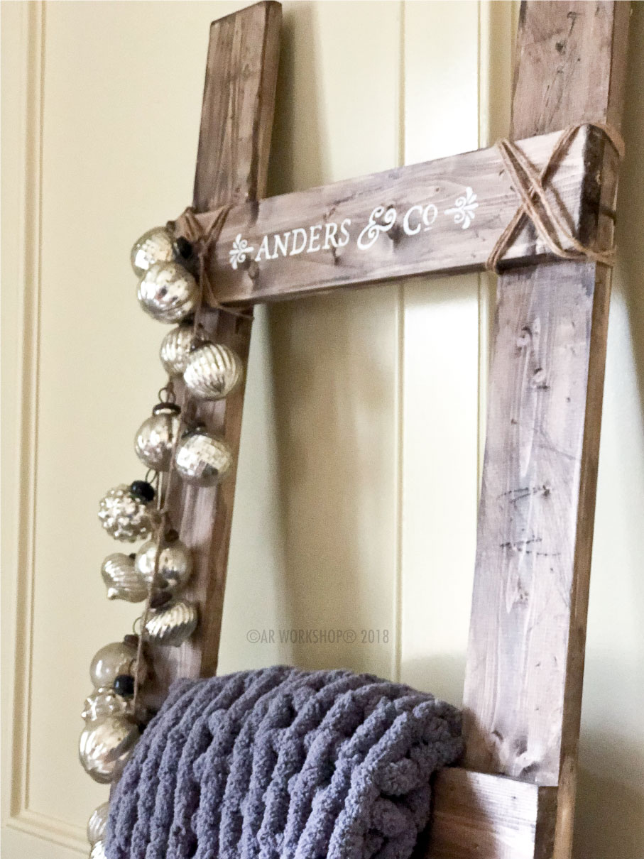 name and co blanket ladder
