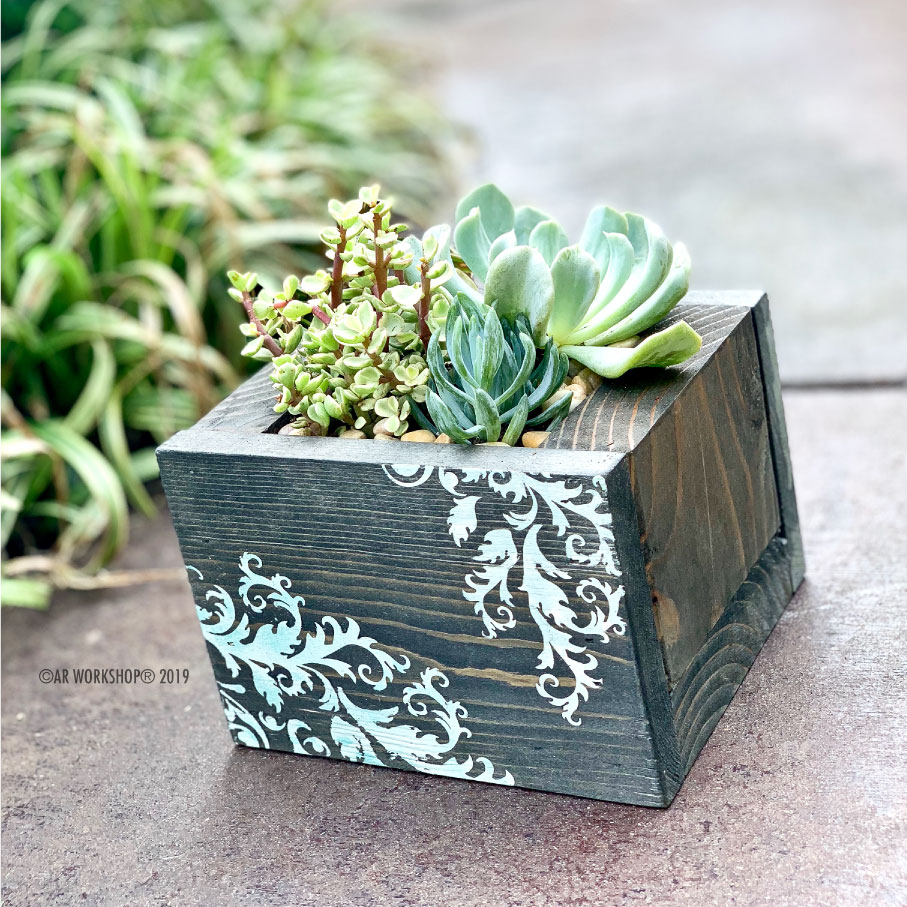 french flourish centerpiece box 8""