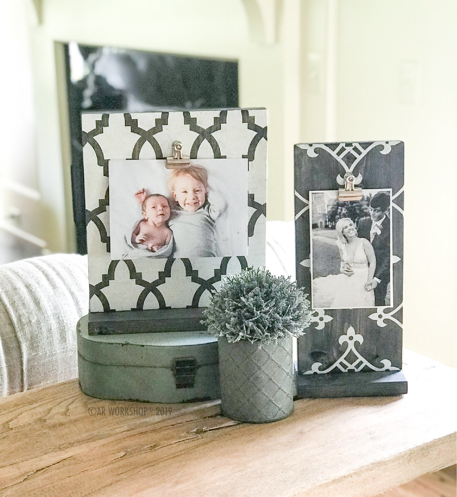 standing photo frame set