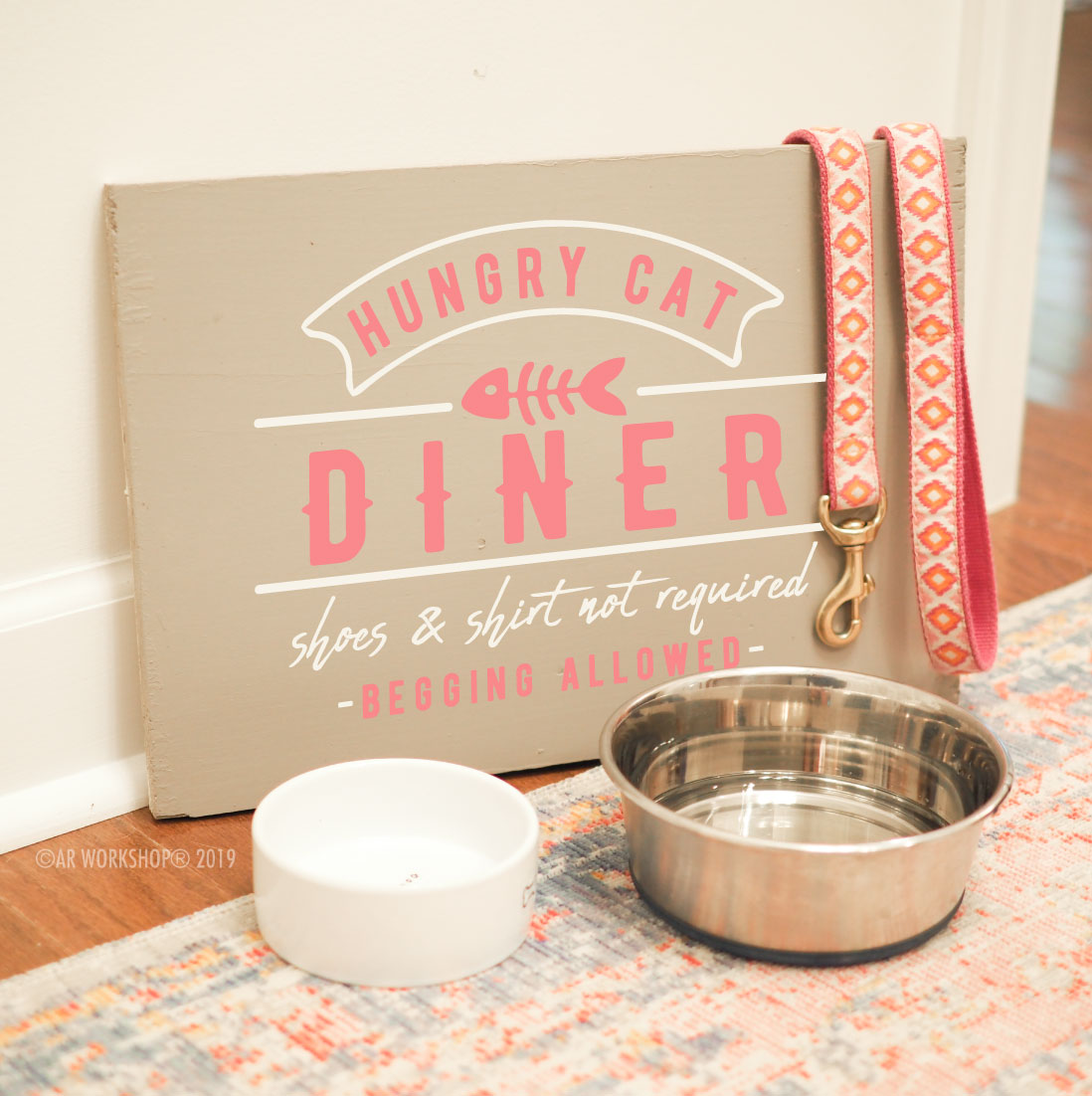 hungry cat diner plank sign