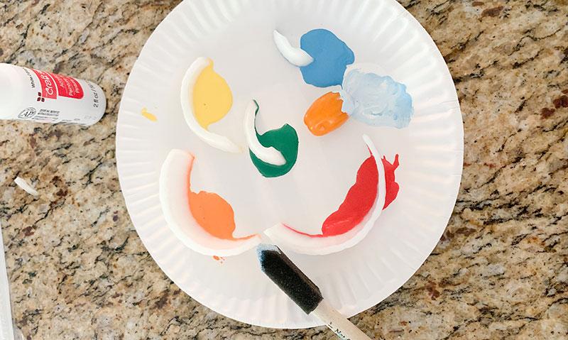 paper plate paint pallette